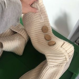 Slouch 3 button uggs - worn once